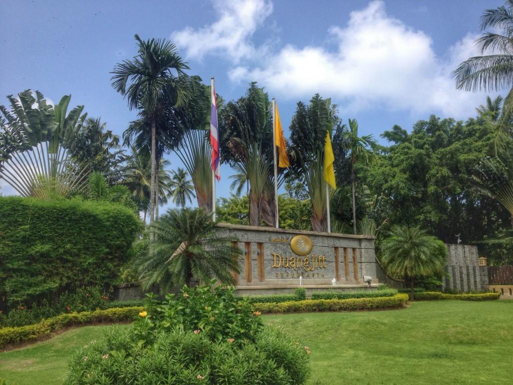 duangjitt resort entrance