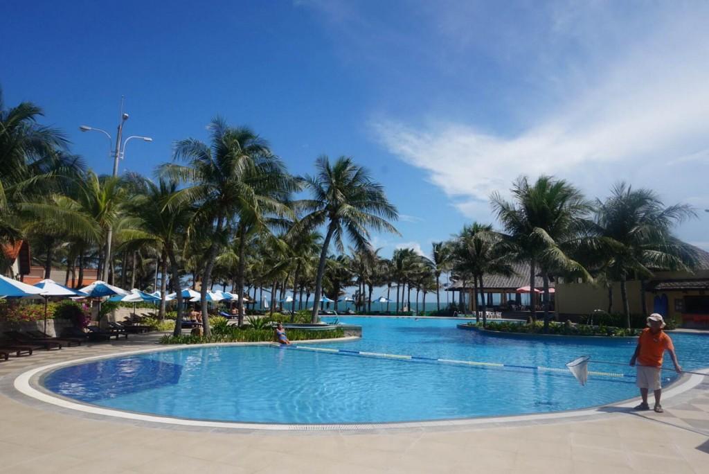 The pool at Pandanus Resort